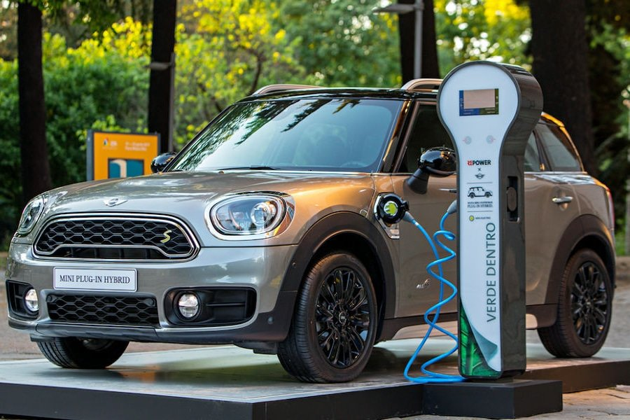 mini-countryman-plug-in-hybrid-repower-1_edited
